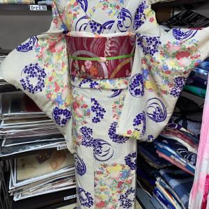夏の花々模様アンティーク着物コーデ