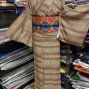 アフリカの民族衣装的なモダン着物コーデ