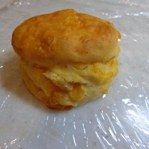 星獲得店のチーズ香るお食事系スコーン@ハフキンス