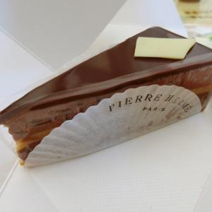 流石巨匠!破壊的レベルなチョコレートチーズケーキ@ピエール・エルメ