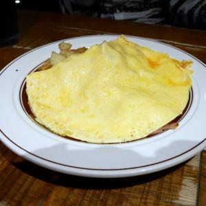 メインの前は軽めの食事で@Eggs'n Things