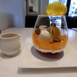 パフェに花?!ビタミンカラーも夏らしい芸術的新作パフェ@パスカル・ル・ガック東京