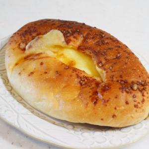 看板に偽りなし!まさに「がっつり」入ったチーズパン@PAIN PATI