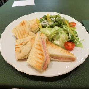イタリアの老舗カフェでゆったりサンドイッチランチ@bicerin