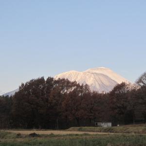 冬の岩手山