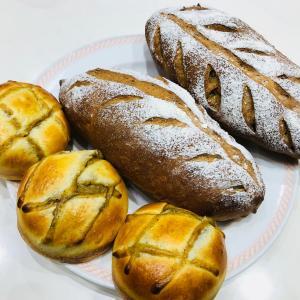 パン修行 栗のほうじ茶ブレッド&ほうじ茶クリームパン