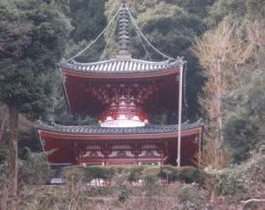 宝山寺多宝塔
