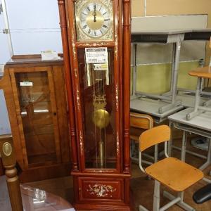 花梨、螺鈿装飾柱時計!愛品倶楽部柏店