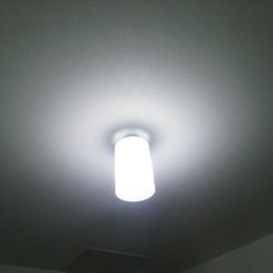 ウォークインクローゼットの照明