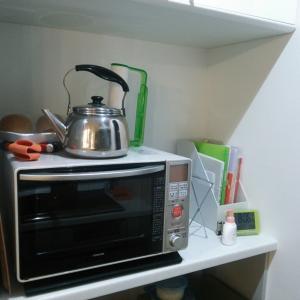 キッチンにエレクターで棚を設置