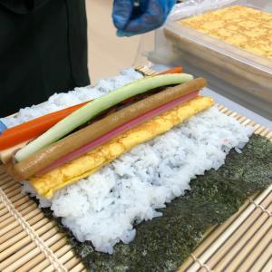 巻き寿司と夕景