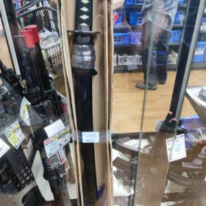 日本刀が売っていた