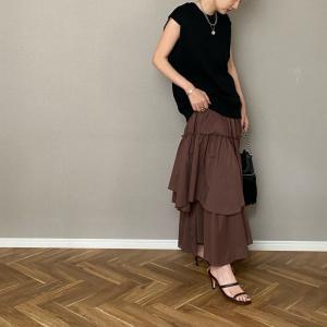 可愛い系スカートにはカジュアルをプラス!