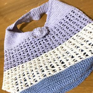 かぎ針編みのミニバッグ