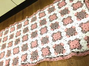 モチーフ編みのキッチンマット