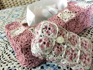 モチーフ編みのティッシュボックスカバー2つ目とシガレットポーチ