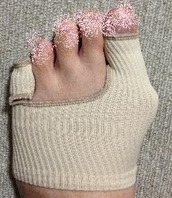 外反母趾 痛い…