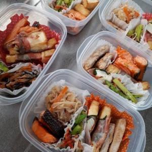 弁当用 /豚肉、鮭、千切り大根、麻婆茄子等
