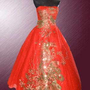 鳳凰刺繍のドレスって縁起がいい!!