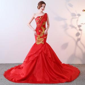 ありそうでない★龍の刺繍が入った真っ赤なマーメイドラインのカラードレス!