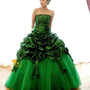 2万円台グリーンドレス!かなり素敵ですよ〜スリーピースセットの紳士礼服も格安!