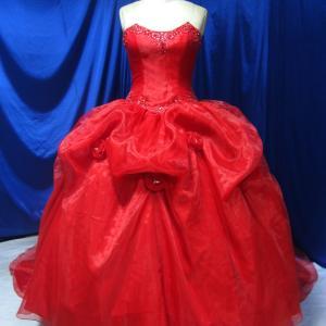 びっくり!3万円台のカラードレス!by『ドレス紳士舞台礼服の専門店』
