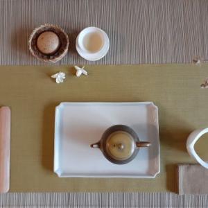 茉莉金萱茶とマーラーカオ