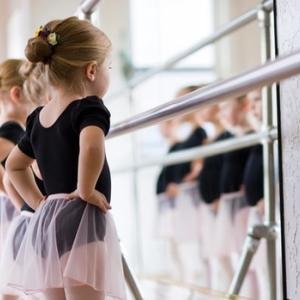 お子様と楽しくリフレッシュ♡ 親子バレエのお知らせ
