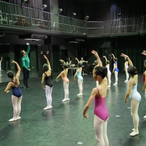 オペラ座バレエ学校 ヤン・サイズ先生講習会が終了しました!