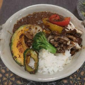 彩り野菜カレーの晩ご飯 と 月例優勝♪
