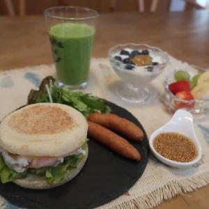 ベーコンエッグマフィンフィンの朝食と長崎皿うどんとゴルフコンペ♪