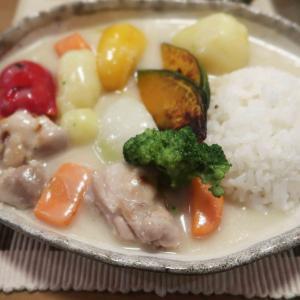 """ご飯に合う""""クリームシチュー""""の晩ご飯 と 黄色い庭♪"""
