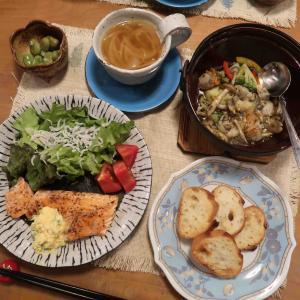 サーモンムニエルと海鮮アヒージョの晩ご飯と 家庭菜園と くちなしの花♪