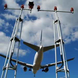 ◆ もう会えない飛行機たち、その57「到着と出発」(2005年1月)