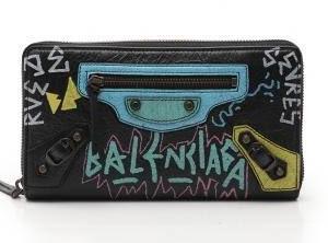【悲報】フェアリンさん、20万入ったバレンシアガの財布をホール内で紛失する…警察には行った模様