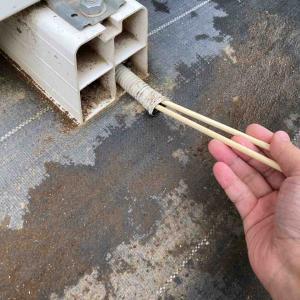 《エアコン室外機ホース内のカビが勝手に取れたワケ&使い捨ておしぼり活用》
