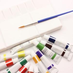 《【新学期準備】絵の具パレットの汚れをウタマロで落とす方法》