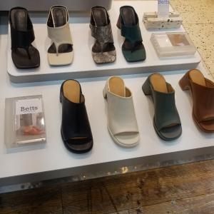 東大門靴卸市場で春靴パトロール