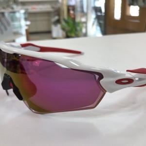 オークリー1枚レンズの度付きサングラス