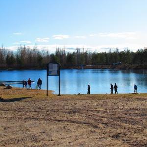 湖水浴の季節