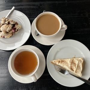 Valkoinen Puuでお茶