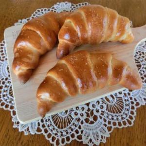 9月メニュー「湯種塩バターロール & ミルクパン」