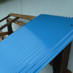 薪小屋の屋根が完成した