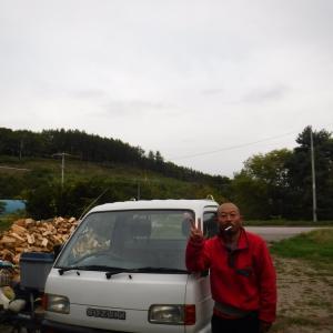 【小屋作り】北側上部の壁を付けた 動画「休日 旅友の軽トラが昭和過ぎてワロタ」