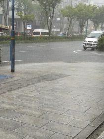 ゲリラ豪雨で大雨警報