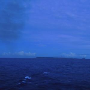 2016年小笠原村硫黄島慰霊墓参(423)小笠原丸で硫黄島を周回(134)小さくなっていく硫黄島