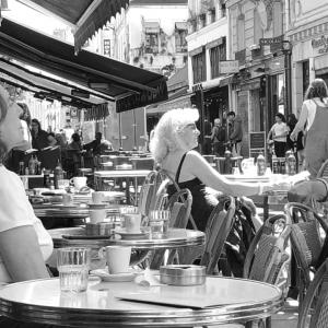 パリ!テラスカフェがやっと解禁❣️