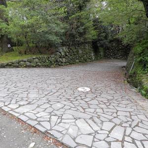 福岡城(日本100名城) 11  多聞櫓を石垣の下から
