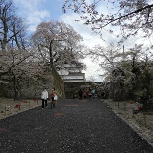 会津若松城(日本100名城) 4 椿坂から天守前