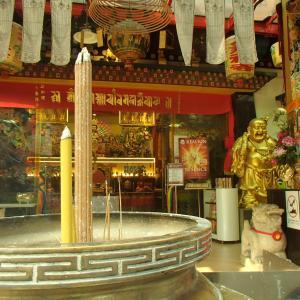 東南アジアでは珍しいチベット仏教寺院 ~テクチェン・チョリン~